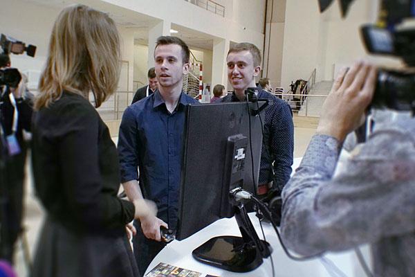 Выставка стенд с VR Первый Молодежный Московский Медиафорум