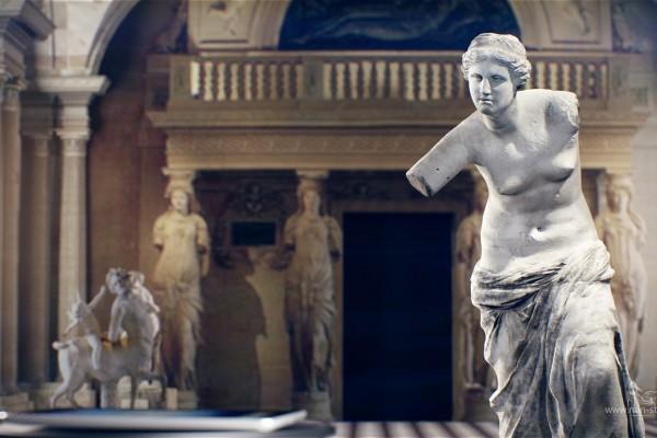 Венера Милосская тянется к планшету